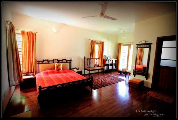 Традиционная декоративная деревянная кровать