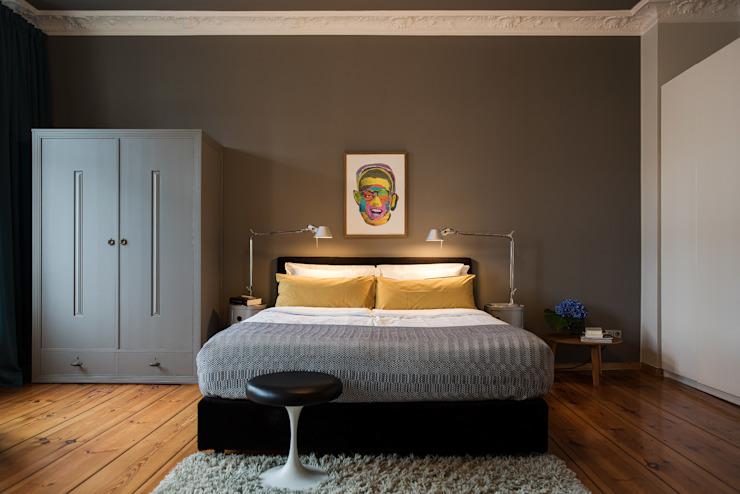 Конструкция кровати с пружинным матрасом