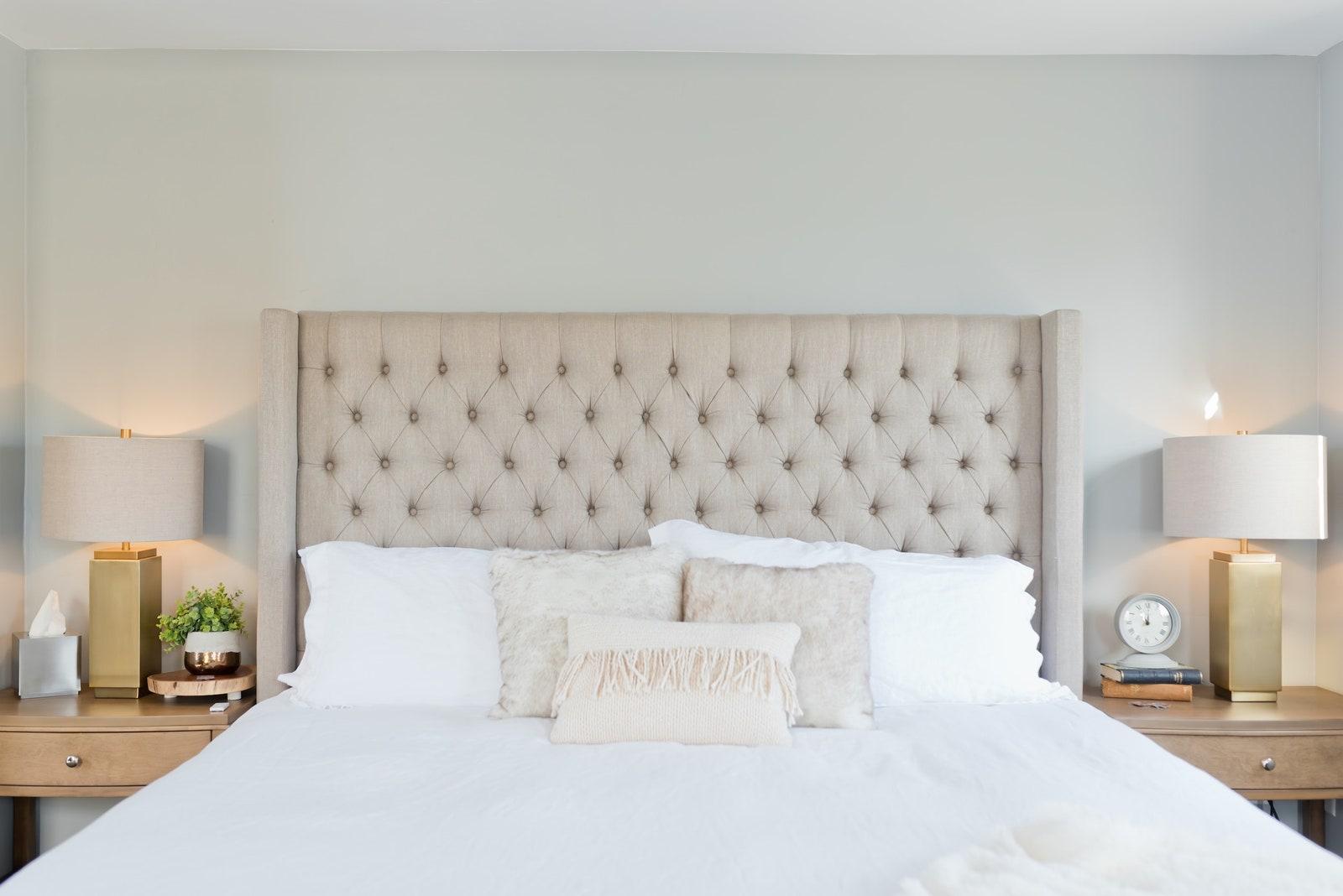 Измерьте размер спальни
