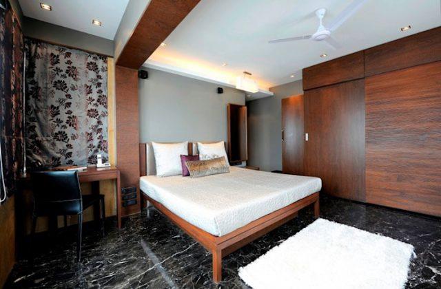 Прочная деревянная кровать